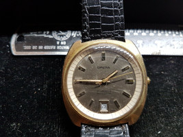 VINTAGE 1970'S 25 JEWEL AUTO DATE AT 6 OPERA WATCH RUNS FOR REPAIR CASE ... - $145.19