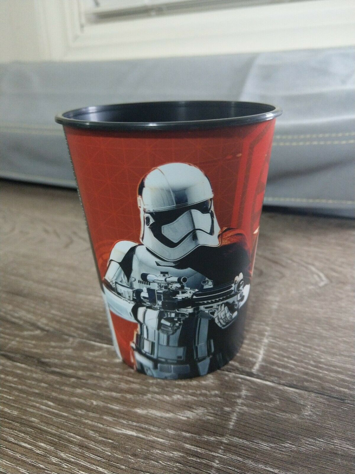 Star Wars Episode VIII 16 oz Plastic Reusable Cup.