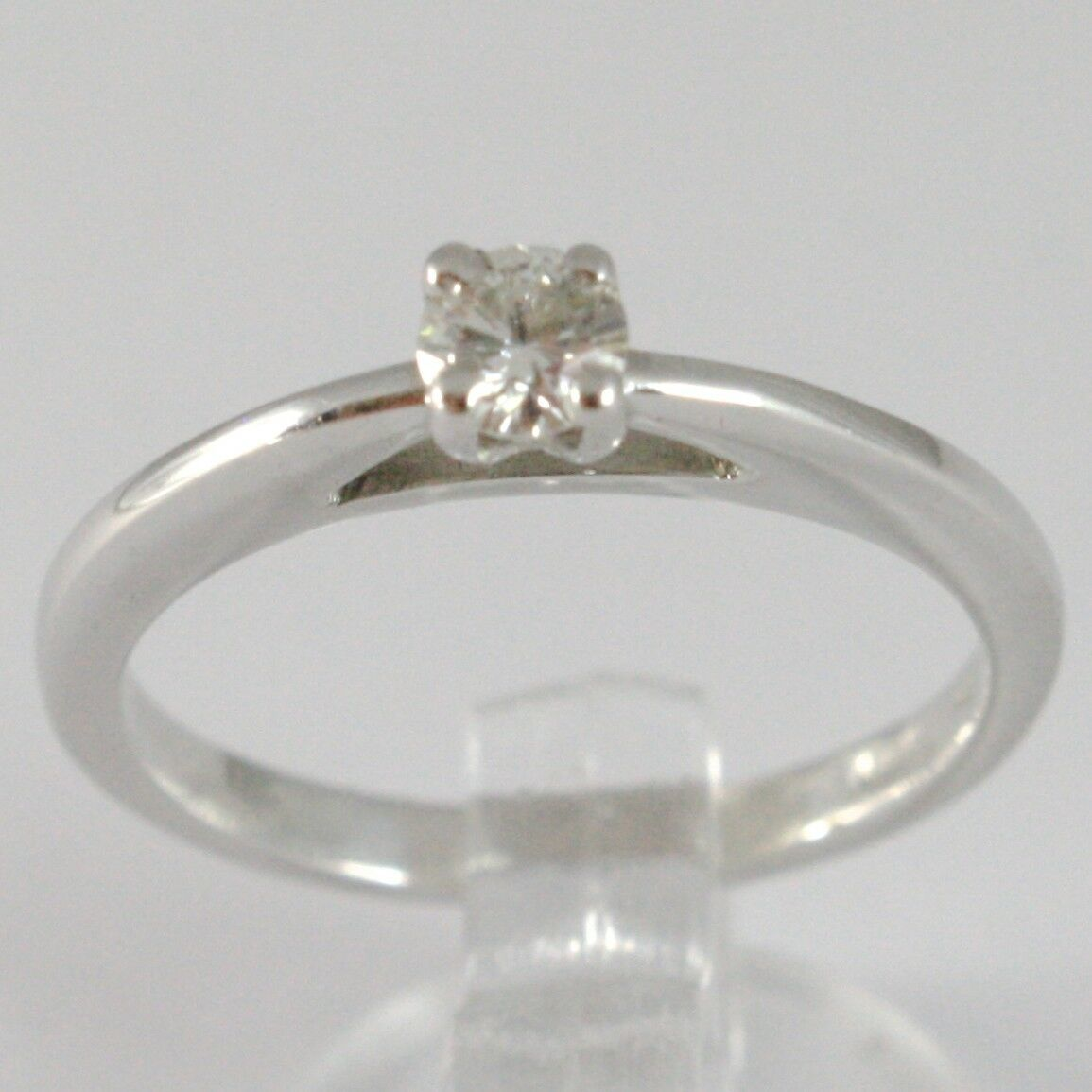 White Gold Ring 750 18K, Solitaire, Bezel Raised, Diamond Carat 0.20