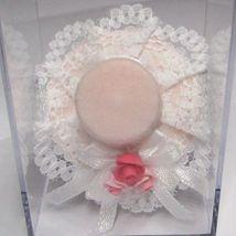 Fancy Pink Hat 1.759/5p Reutter on Bust/Mannequin Stand DOLLHOUSE Miniature - $15.46