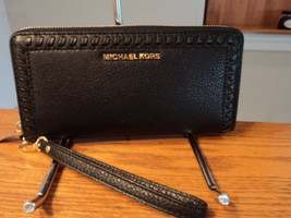 Authentic Michael Kors Lauryn Travel Leather Continental Zip Wallet Blac... - £82.41 GBP