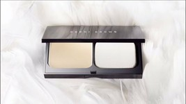 Bobbi Brown SKIN Weightless Foundation Compact Makeup PORCELAIN 0 .38oz NIB - $46.53