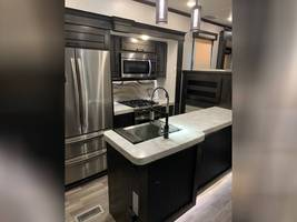 2020 REDWOOD 3951MB FOR SALE IN Spring Branch, TX 78070 image 6