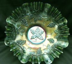 Vintage  Fenton Green Carnival Glass Bowl Vinta... - $18.99