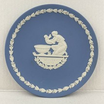 "6.5"" Wedgwood WHITE on BLUE Jasperware MOTHER'S PLATE 1973 Collector - $28.04"