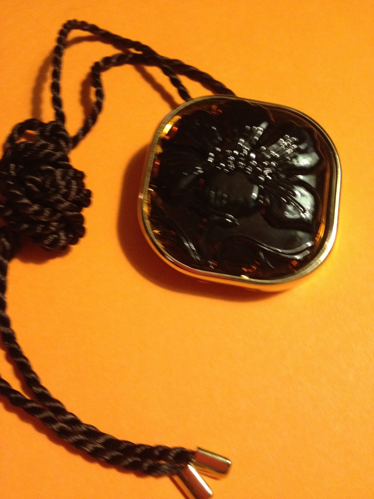 Clinique AROMATICS ELIXIR Solid Perfume NECKLACE - 40th Anniversary Ltd. Edition