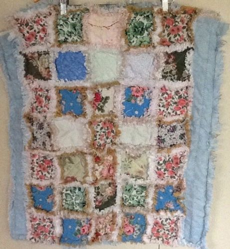 "RAG QUILT Lap Quilt 25"" X 30"" Vintage Floral Cotton Pink Green Homespun Backing"