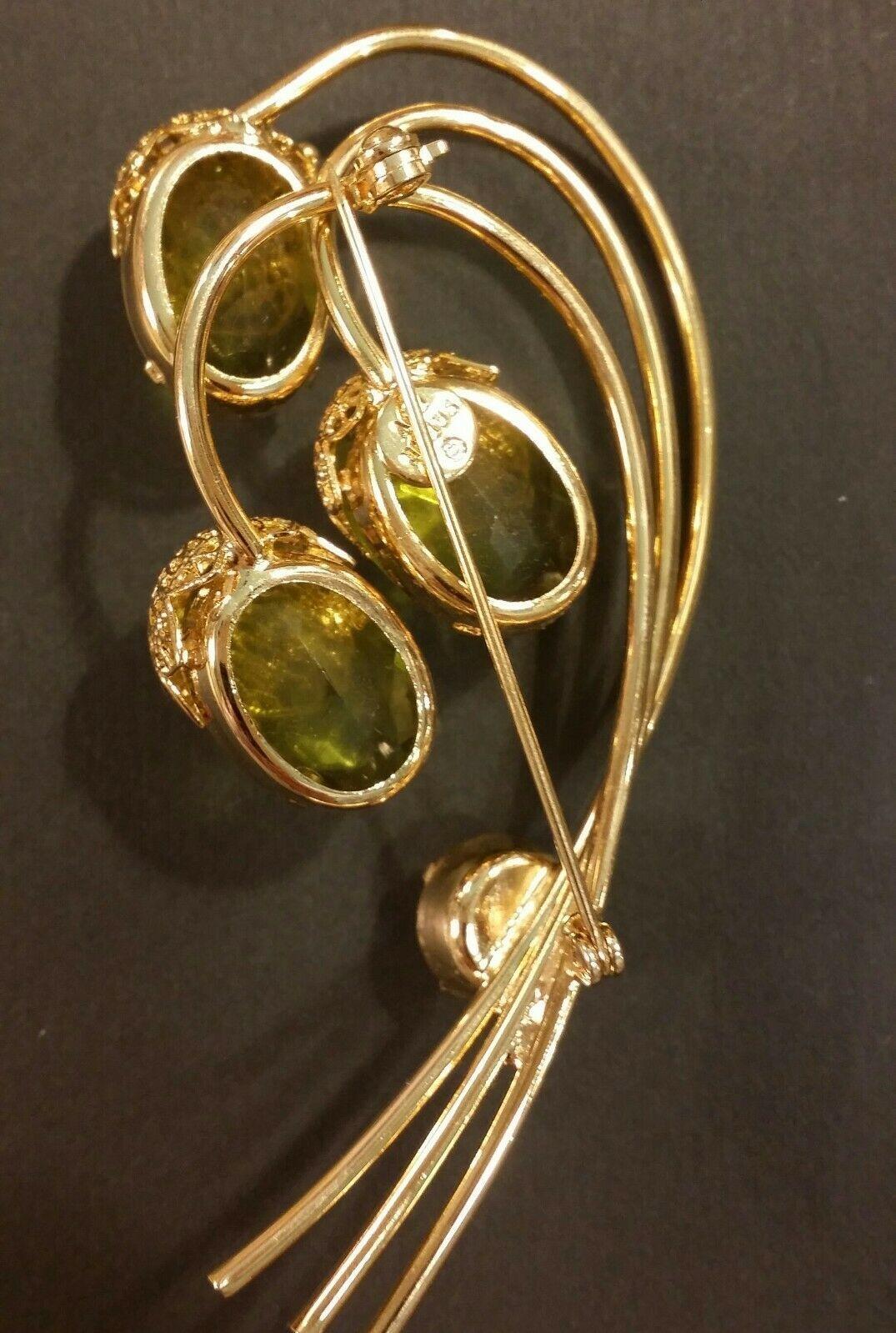 Vintage Sarah Coventry Brooch &Earring Set