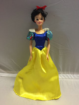 "Disney Store 12"" Snow White Classic Doll princess authentic - $9.90"