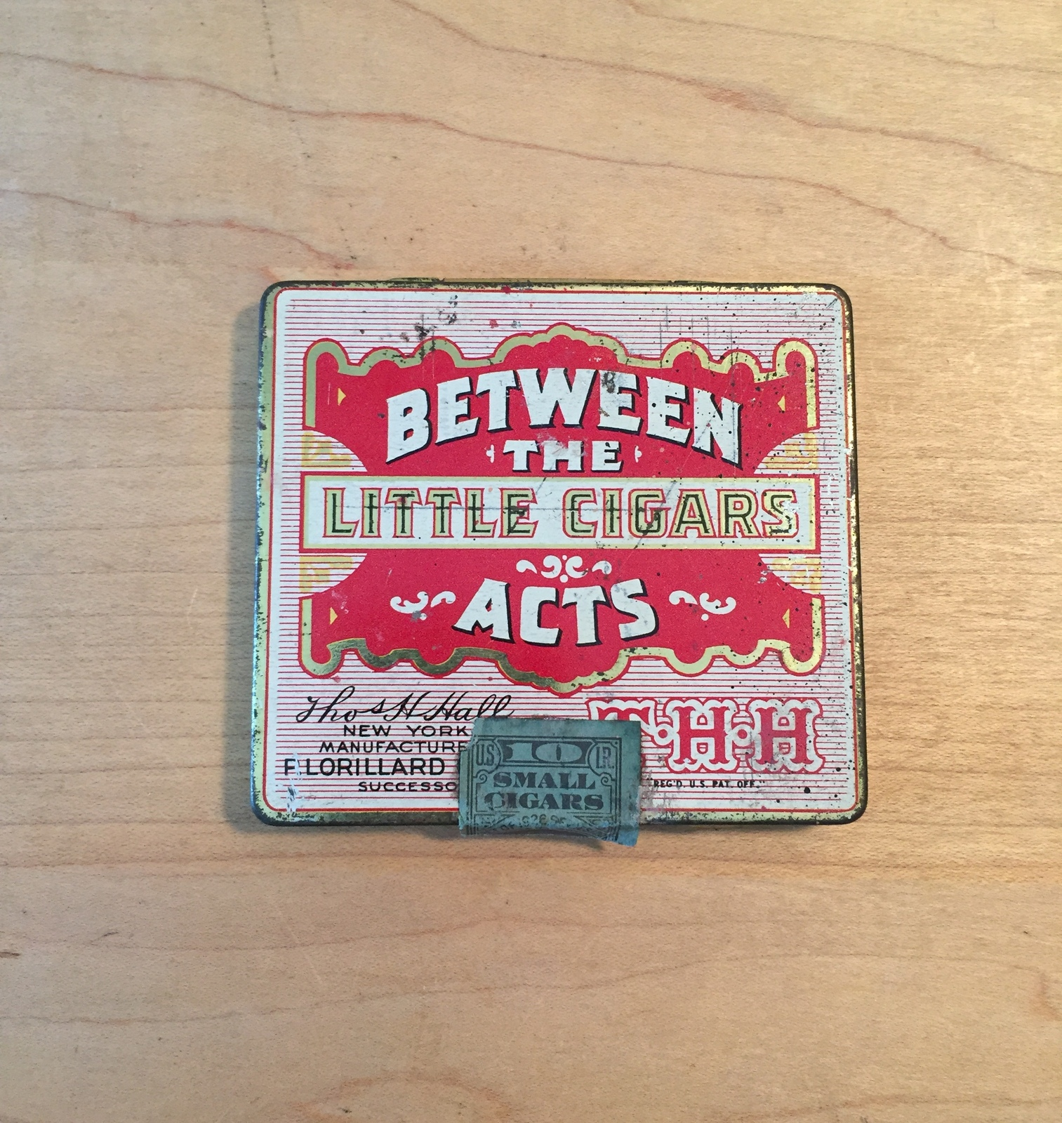 Vintage Between the Acts little cigars tin packaging