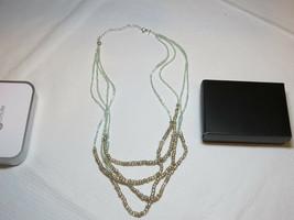 Donne Avon Collana con Perline Color Argento Pennino - $29.75