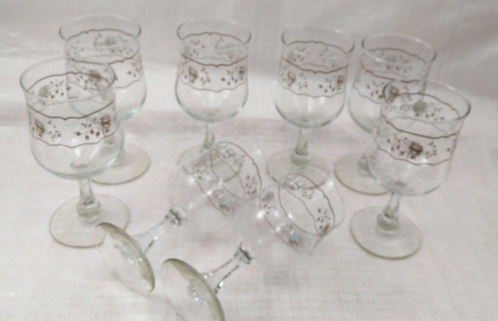 Set of 8 Crystal Wine Glasses with White and Silver Roses Design