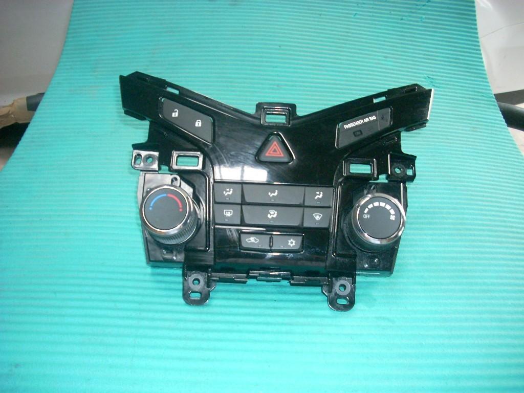 2013 CHEVROLET CRUZE RADIO CONTROL PANEL FACE PANEL  95914367