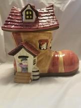 vintage old woman in a shoe cookie jar - $20.57