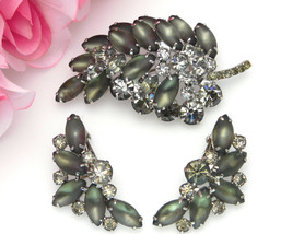 Juliana D&E Leaf Brooch Earrings Set Frosted Satin & Brilliant Green Rhi... - $115.00