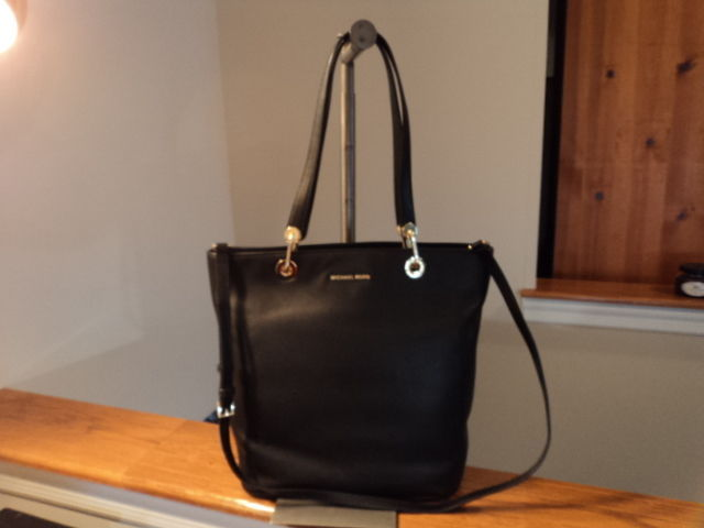 e07425dd996a Michael Kors Raven Large North South TZ and 50 similar items. S l1600