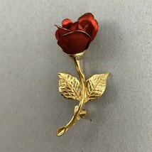 Giovanni Rose Brooch Red Gold Tone Long Stem Floral Flower Signed Vintage - $10.26