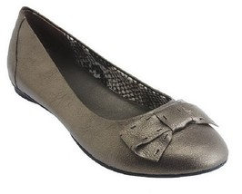 Clarks Women's Bendables Poem Court Leather Flats Bow Detail, Silver, Si... - $39.59