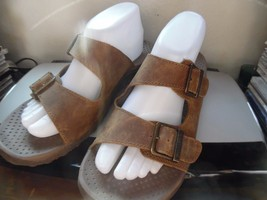 SKECHERS OUTDOOR LIFESTYLE WOMEN SHOE 9 BROWN LEATHER BUCKLE SLIDES SANDALS - $14.95