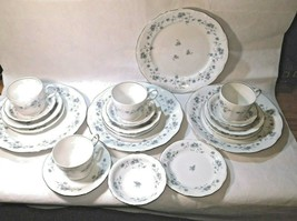 Vintage Dinnerware Set Johann Haviland Blue Garland Fine China 20-piece Set - $72.58