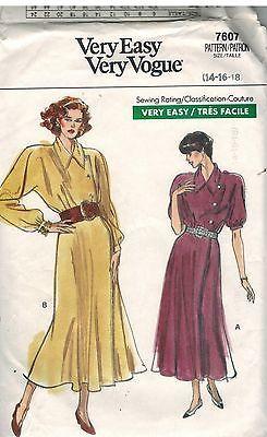 7607 Vintage Vogue-Schnittmuster Misses Wickelkleid Raglanärmel Sehr Einfach Oop