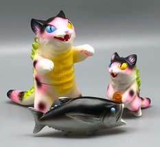 Max Toy Pink Spotted Odd-Eye Negora and Micro Negora w/ Fish - Rare image 3