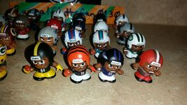 2017 NFL TEENYMATES SERIES 6 FOOTBALL - PICK YOUR FOOTBALL TEAM FIGURE NEW NEW!! image 3