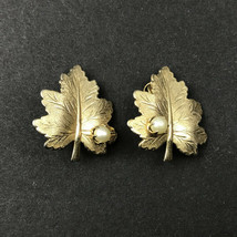 """Vintage Sarah Coventry Gold Tone Leaf Faux Pearl Clip On Earrings 1""""x1"""" - $19.98"""