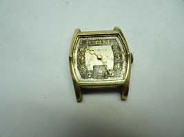 Vintage Gf Wittnauer 10E 17 Jewel Square Watch Runs For You To Fix Dial Glass - $95.00