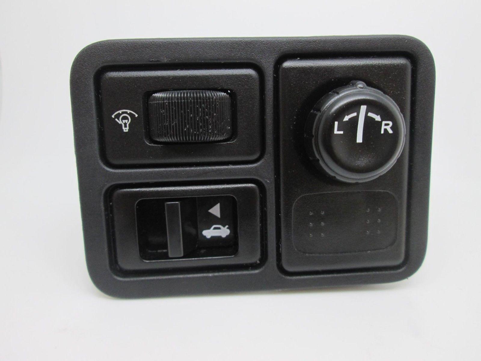 02 03 04 05 06 Nissan Altima Murano Left and Right Heated Seat Switches OEM