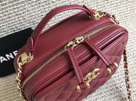 AUTHENTIC CHANEL 2018/2019 RED LEATHER QUILTED 2-WAY HANDLE BAG GHW image 3
