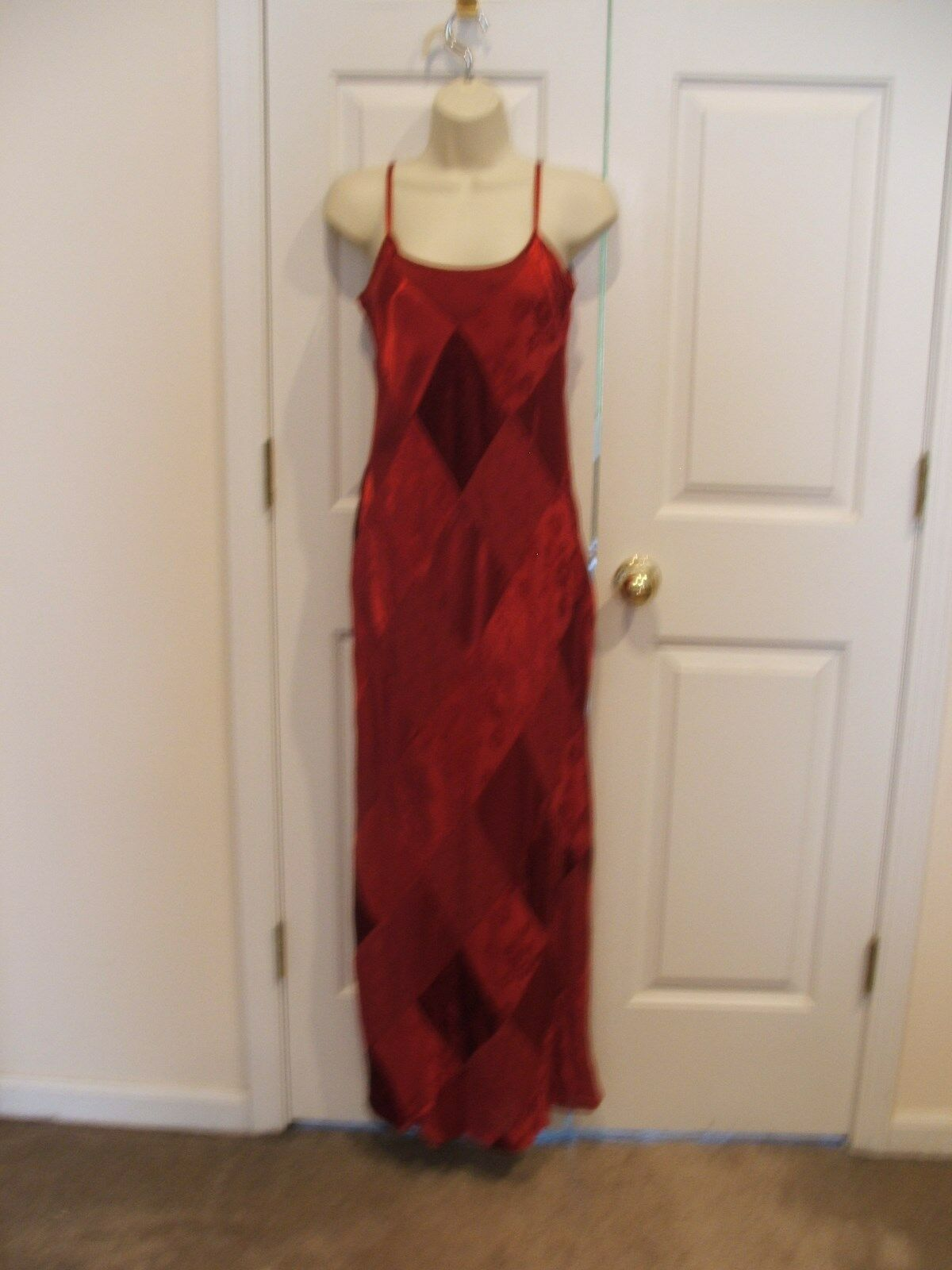 NEW NEWPORT NEWS BURGUNDY  FULLY LINED  PARTY FORMAL OCASSION GOWN SIZE 6 - $58.66