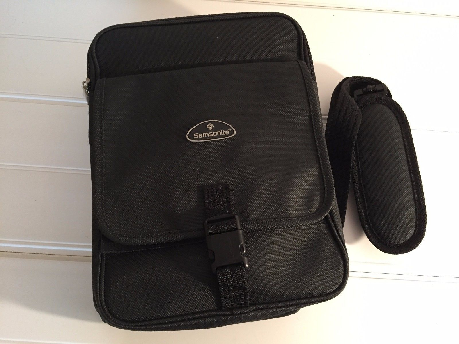 7053e9c794 Samsonite Carry On Travel Tote Bag and 50 similar items. S l1600