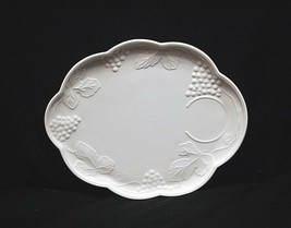 Old Vintage Harvest Milk Glass Colony Snack Plate w Grapes & Leaves Pattern MCM - $14.84