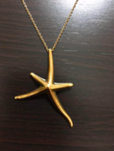 TIFFANY & Co. k18 750 Yellow Gold Starfish Necklace Used - $2,357.18