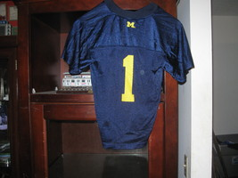 MICHIGAN WOLVERINES YOUTH HOME JERSEY(M 5/6) - $9.99