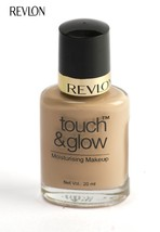 Revlon Touch and Glow Moisturising Makeup, Natural Mist (20ml) by GIFTSBUYINDIA - $30.14