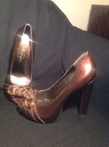 "JESSICA SIMPSON ""DAILA"" BRONZE IRIDESCENT PLATFORM PEEP TOE PUMPS CHAIN ... - $19.79"