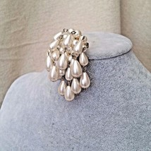 1950 Vintage Cascading Waterfall Faux Pearls Brooch - $18.88