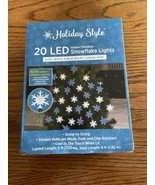 Holiday Style Snowflake LED String Lights 20 Blue & White Bulbs Green Wi... - $11.65
