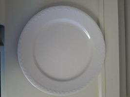 Longaberger American Home Dinner Plate Ivory Made in America - $29.65