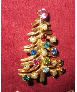 VINTAGE AUSTRIAN CRYSTAL CHRISTMAS TREE PIN AND MATCHING EARRINGS - GORG... - $37.95