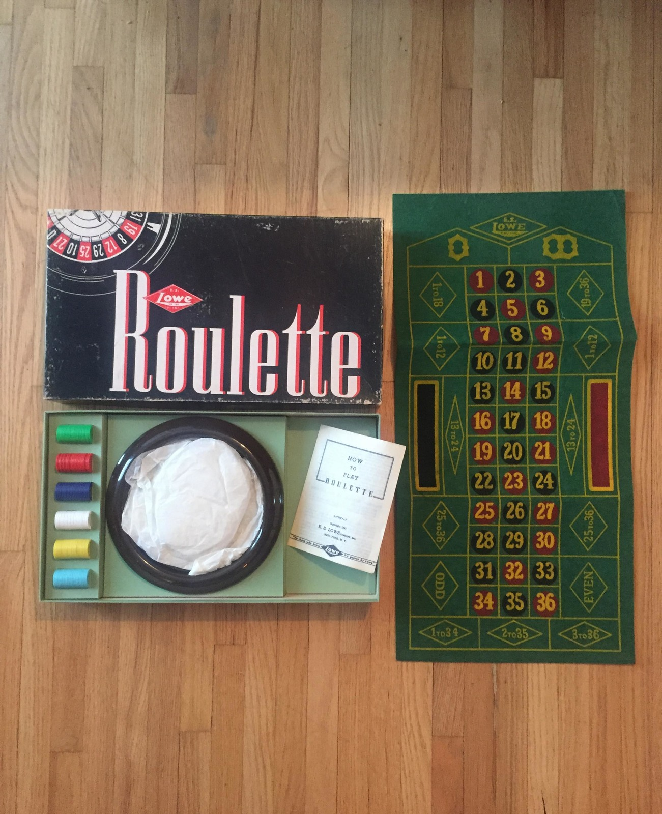 Vintage 1941 E.S. Lowe Roulette #907- complete and unused boxed set