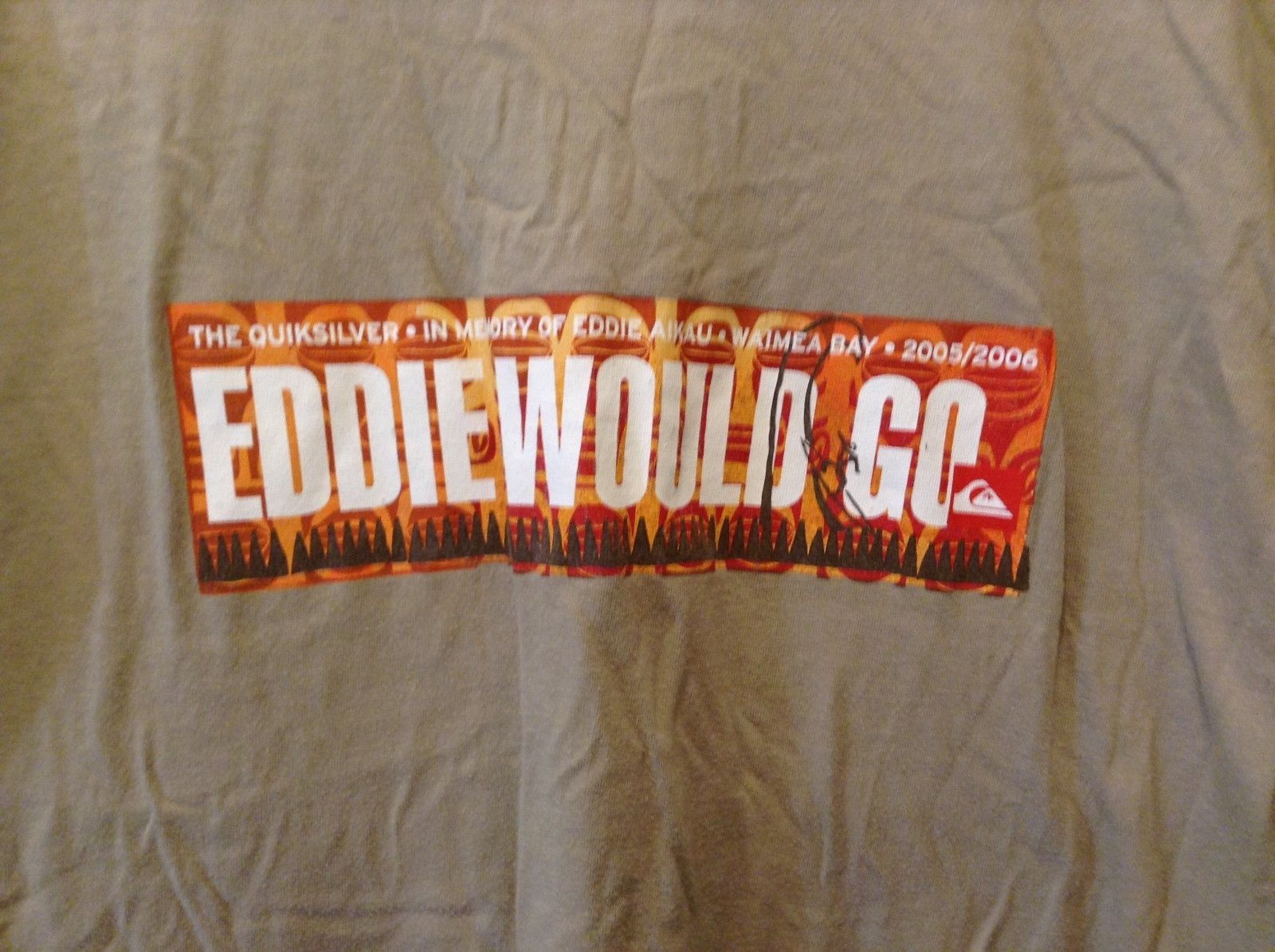 Quicksilver Eddie Aikau Big Wave International T-Shirt Sz LG