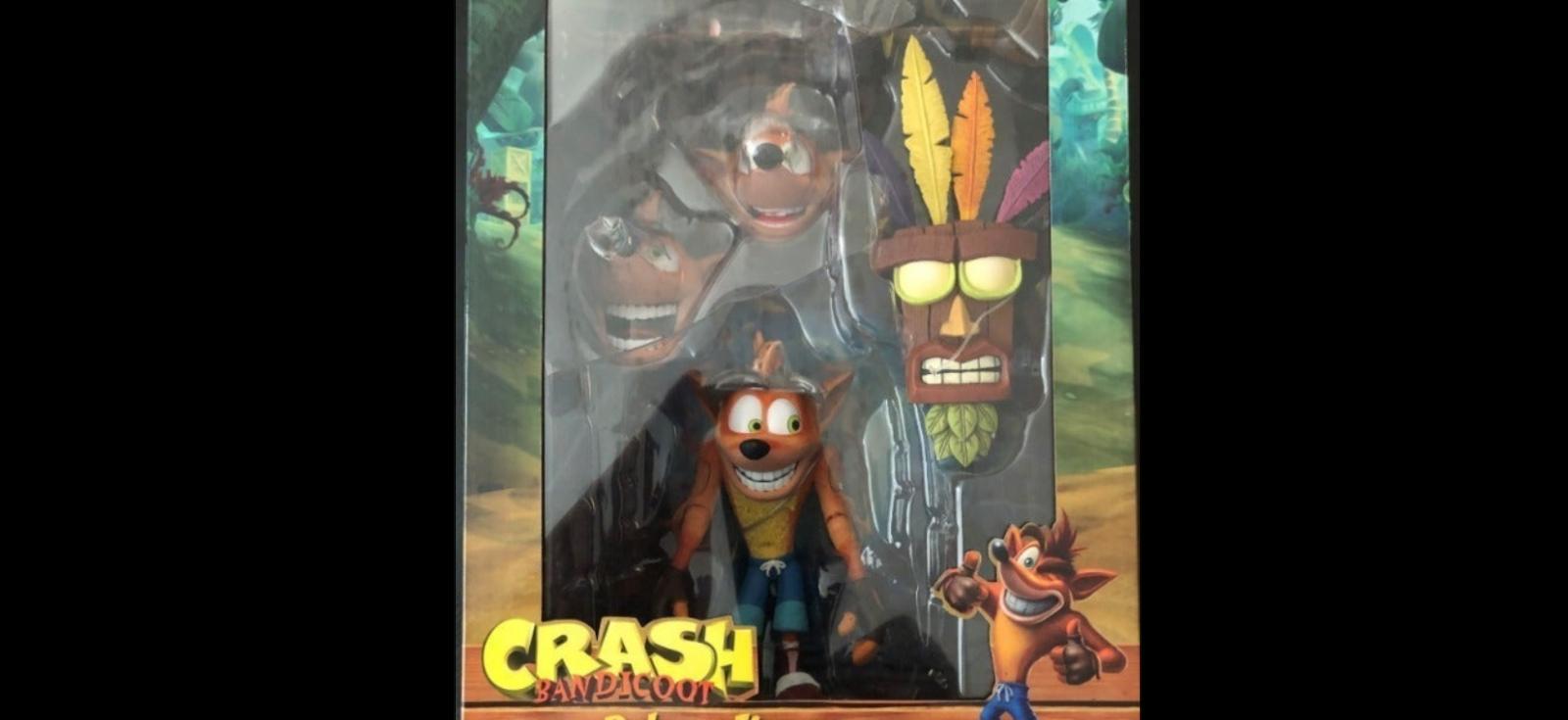 "NECA Deluxe Crash Bandicoot Aku Aku Mask 7"" 41060 NIB - $49.00"