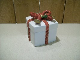 "Vintage Fitz and Floyd Old World Santa Ceramic Porcelain Trinket Box 4 1/2"" Sq.  - $30.00"