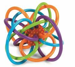 Sonajero Y Mordedor Sensorial Manhattan Toy Winkel Juguete De Actividad - $59.00