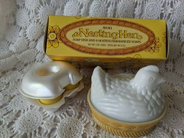 Avon Nesting Hen Soap Dish And 4 Hostess Fragranced Soaps - $14.54