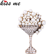 KISS ME Geometric Crystal Simulated Pearls Brooch 2017 Unique Vintage Br... - $23.89+