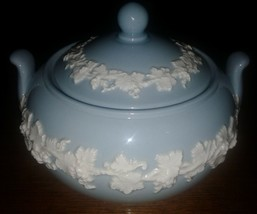 """Wedgwood Embossed Queen's Ware Covered Sugar Bowl Blue 4"""" Tall x 5"""" Wide - $18.62"""